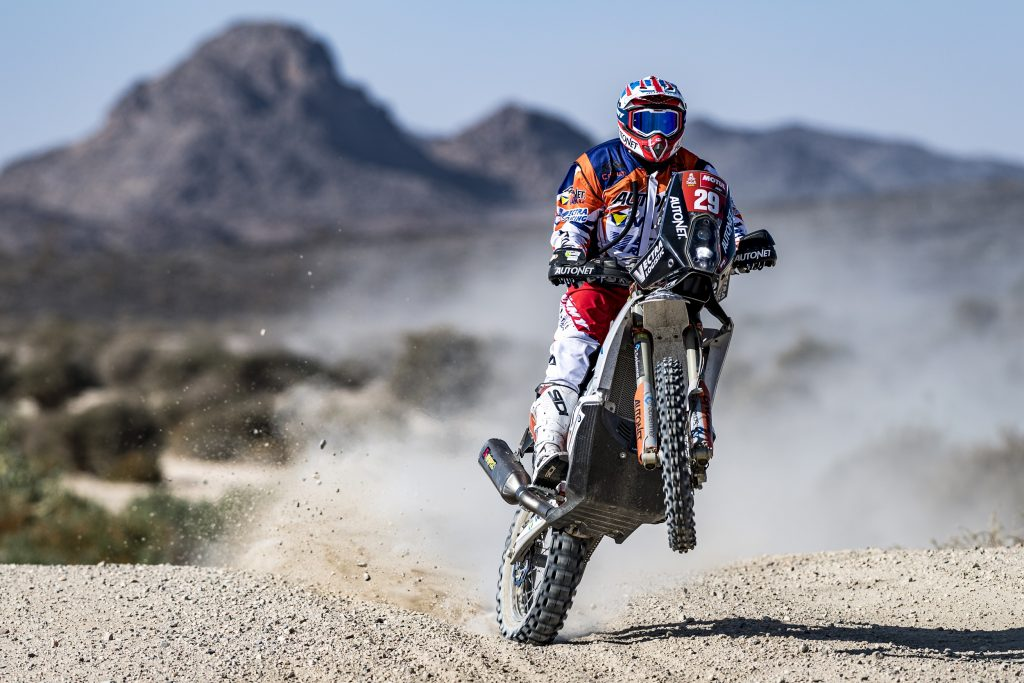 Mani Gyenes debutează în forță in Dakar 2021. Locul 1 la clasa Malle Moto după prima etapă